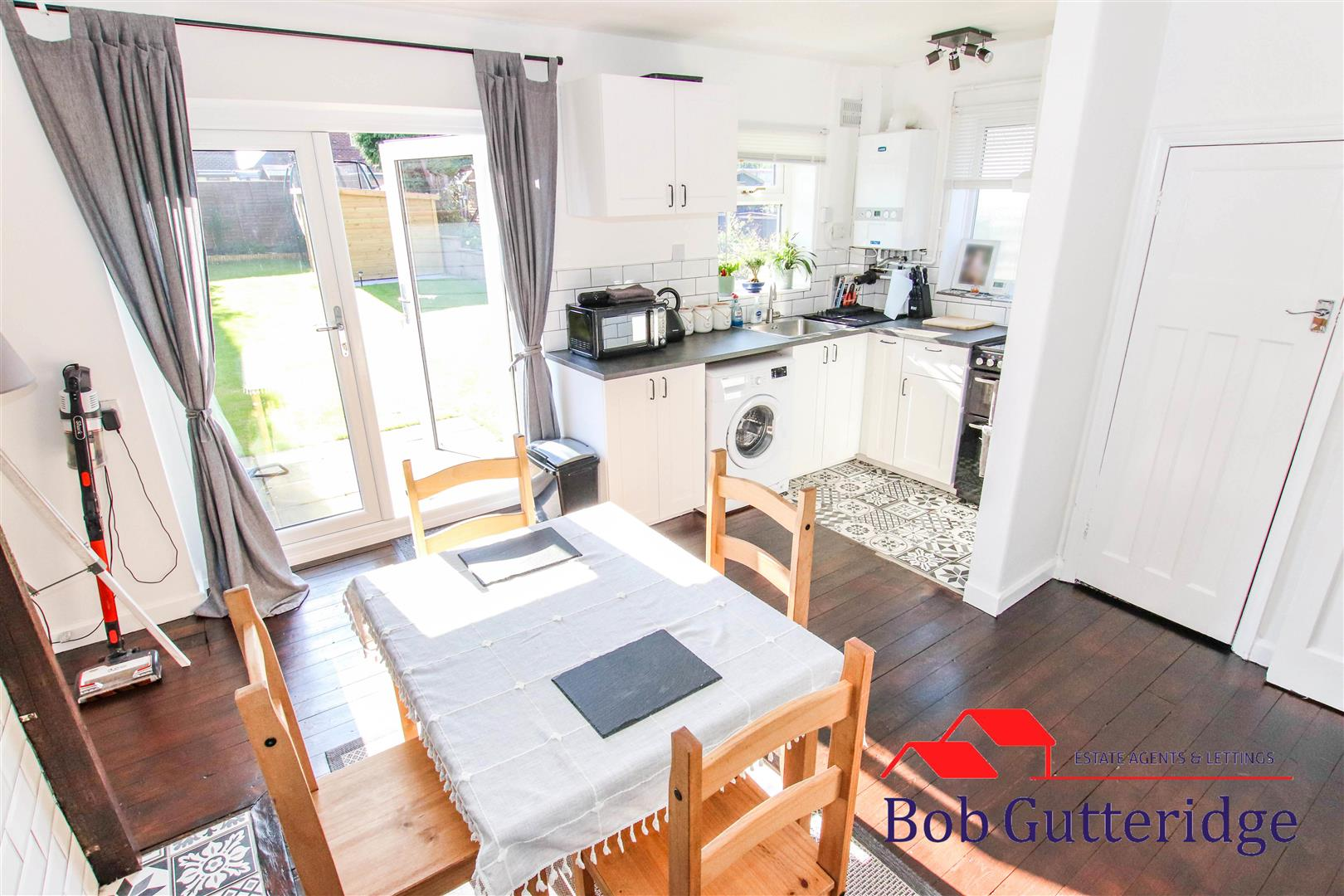 FITTED KITCHEN / DINING ROOM